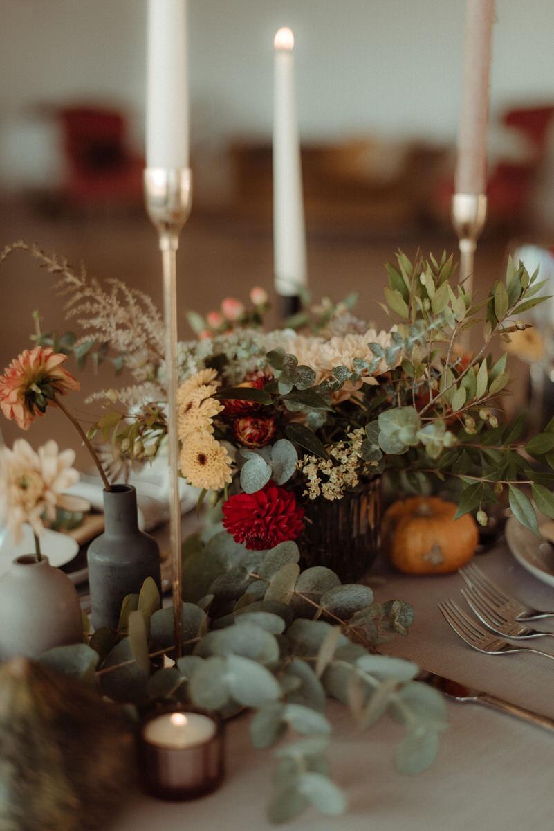 Autumnal romantic Scottish wedding styling